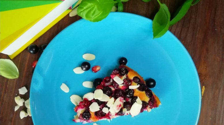 кето-пирог с ягодами